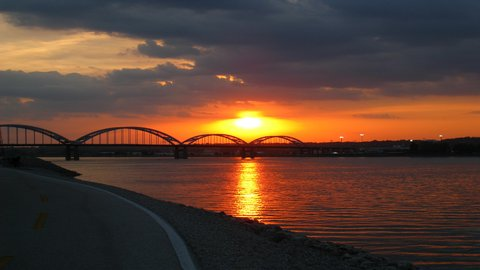 Holiday Inn Express MOLINE - QUAD CITIES - The beautiful Mississippi River is at our back door