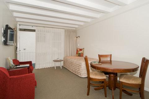 Best Western Barrycourt Suites - Hotel %26 Confere - room