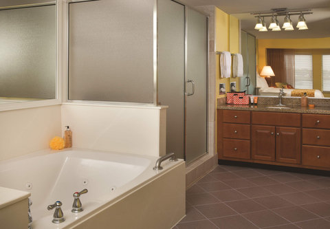 Marriott's Harbour Point and Sunset Pointe at Shelter Cove - Sunset Pointe - Villa Master Bathroom