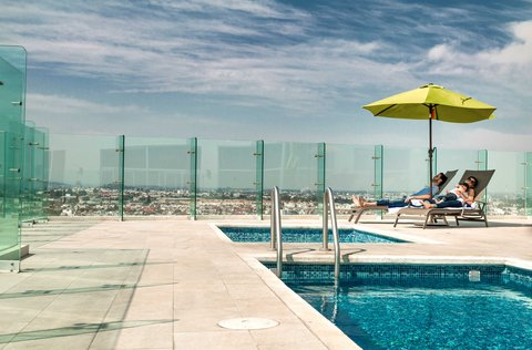 Holiday Inn Express & Suites PUEBLA ANGELOPOLIS - alberca