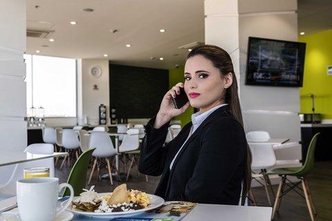 Holiday Inn Express & Suites PUEBLA ANGELOPOLIS - desayunador