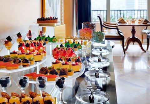 فندق ماريوت القاهرة و كازينو عمر الخيام - Executive Lounge Buffet Dessert
