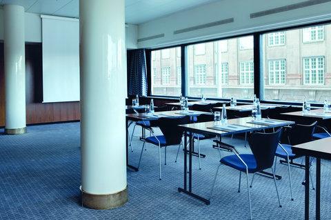 Radisson Blu Royal Hotel Copenhagen - Oxford Meeting Room