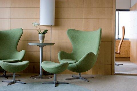 Radisson Blu Royal Hotel Copenhagen - Royal Suite Living Room Egg Chairs