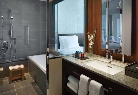 فندق أوساكا ماريوت مياكو - Deluxe Guest Bathroom