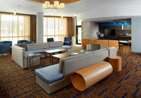 Courtyard Dayton-University of Dayton - Lobby Seating Area