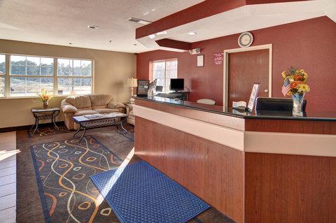 Americas Best Value Inn and Suites Longview - Front Desk