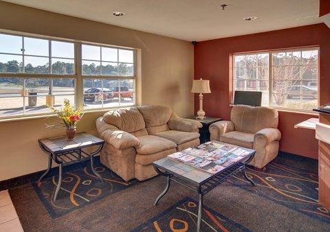 Americas Best Value Inn and Suites Longview - Lobby