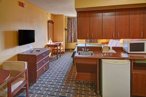 Americas Best Value Inn and Suites Longview - One King Bed Suite
