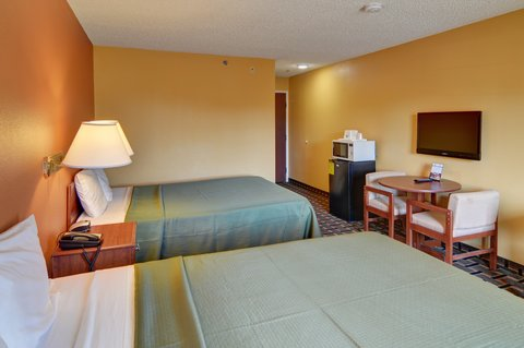 Americas Best Value Inn and Suites Longview - Two Queen Bed Guest Room