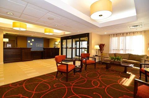 Holiday Inn Express ATLANTA-STONE MOUNTAIN - Hotel Lobby