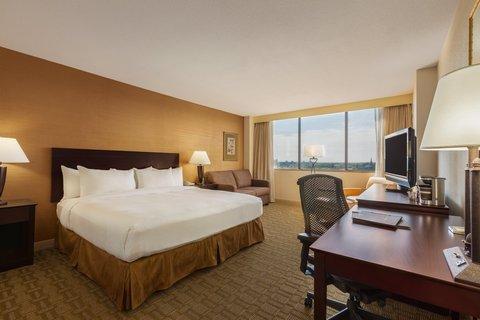 Hilton Fort Wayne at the Grand Wayne Convention Center - King
