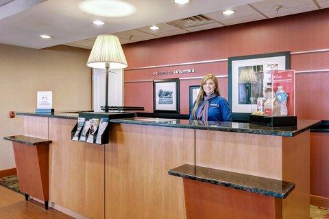 Hampton Inn St Louis-Columbia - Front Desk