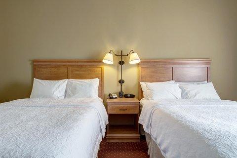 Hampton Inn St Louis-Columbia - 2 Queen Beds Guest Room