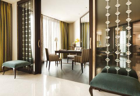 فندق الفيصلية - South Wing Royal Diamond Suite