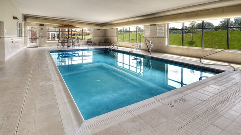 Holiday Inn Express & Suites PITTSBURGH SW - SOUTHPOINTE - Swimming Pool