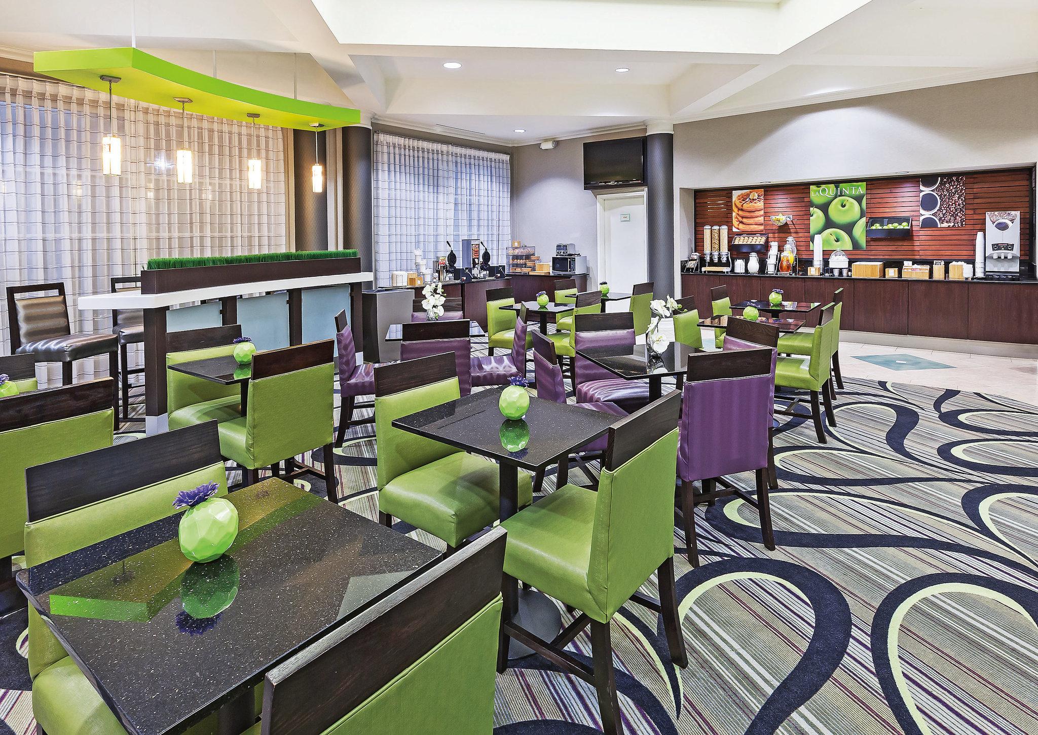 La Quinta Inn & Suites Dallas Arlington South