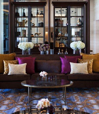 JW Marriott Mussoorie Walnut Grove Resort & Spa - Lobby - Seating Area