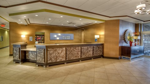 Holiday Inn Express & Suites PITTSBURGH SW - SOUTHPOINTE - Hotel Lobby