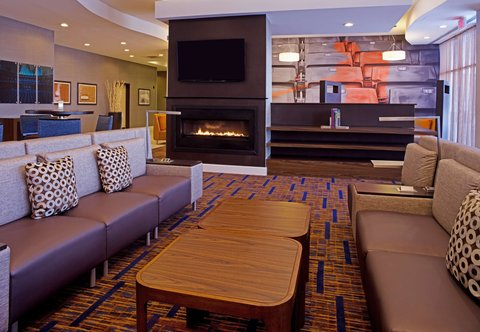 Courtyard By Marriott Aberdeen Hotel - Lobby - Seating Area