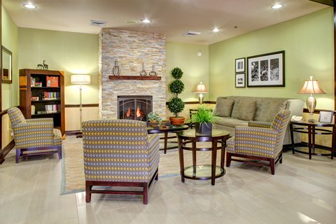 Country Inn & Suites By Carlson, Asheville Downtown Tunnel Road (Biltmore Estate), NC - Lobby