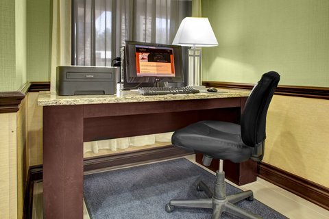 Country Inn & Suites By Carlson, Asheville Downtown Tunnel Road (Biltmore Estate), NC - Business Center