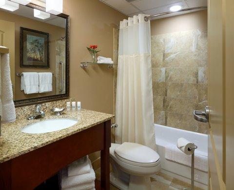 Holiday Inn Fairmont Hotel - Guest Bathroom