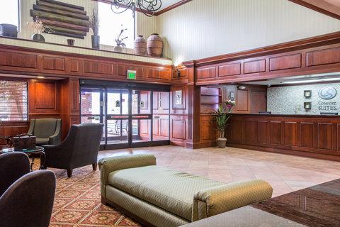 Comfort Suites Biltmore Square Mall - Interior