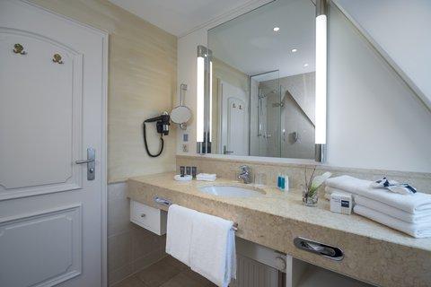 Dorint Westerland Sylt - Bathroom