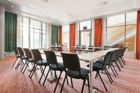 拉迪森萨斯机场酒店 - Meeting Room