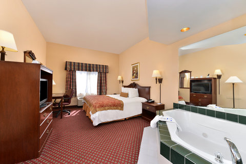 BEST WESTERN Garden City Inn - One King Bed Jacuzzi Suite