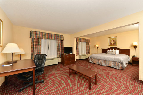 BEST WESTERN Garden City Inn - One King Bed Suite