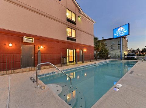 BEST WESTERN Garden City Inn - Pool