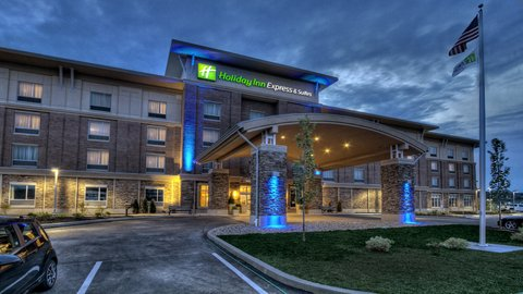 Holiday Inn Express & Suites PITTSBURGH SW - SOUTHPOINTE - Hotel Exterior