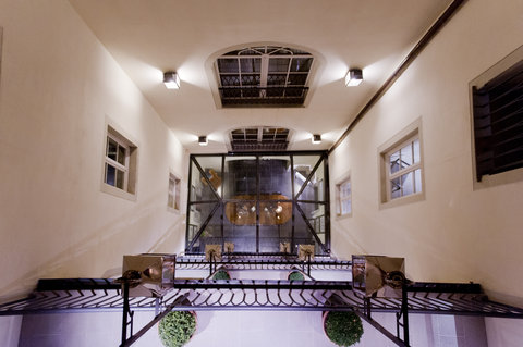 J.K.Place Hotel - Inner Courtyard