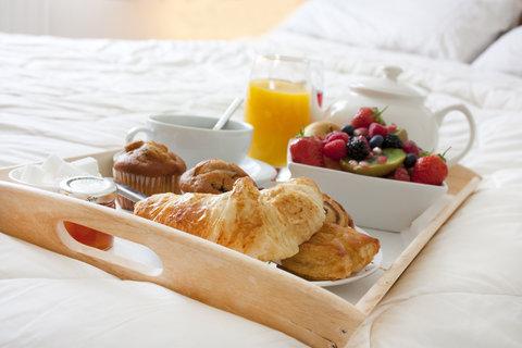 Holiday Inn Fairmont Hotel - Room Service