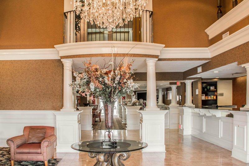 Quality Suites - San Antonio, TX