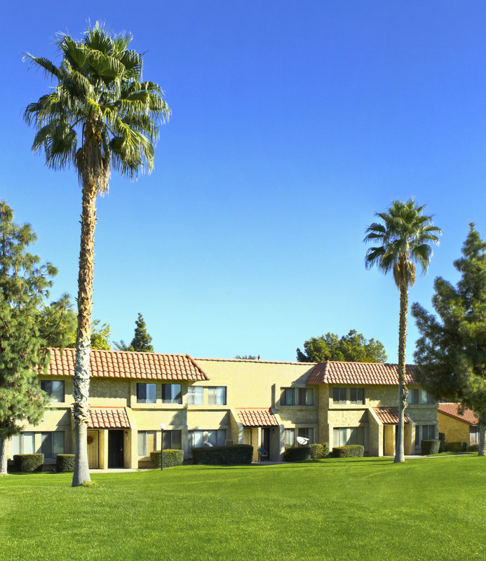 INDIAN PALMS COUNTRY CLUB AND