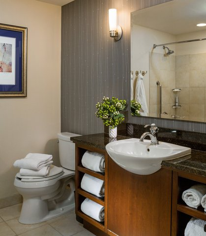 Courtyard By Marriott Burlington Harbor Hotel - Bathroom Vanity