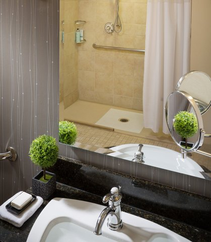 Courtyard By Marriott Burlington Harbor Hotel - Accessible Bathroom and Shower