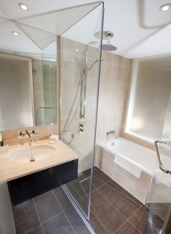 Dorsett Shepherds Bush Hotel - Dorsett Shepherds Bush - Guestroom Bathroom