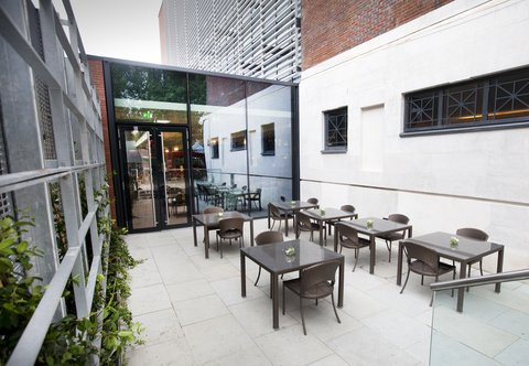 Dorsett Shepherds Bush Hotel - Dorsett Shepherds Bush - Pictures Alfresco Area