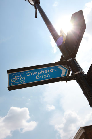 Dorsett Shepherds Bush Hotel - Shepherds Bush - Road Signage