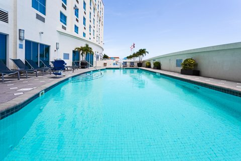 Crowne Plaza FT. LAUDERDALE AIRPORT/CRUISE - Swimming Pool