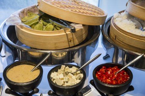 Crowne Plaza City Center Tel Aviv - Buffet Asian Breakfast