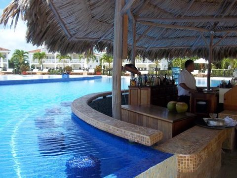 Flats at Carol's Cabanas - Pool Bar
