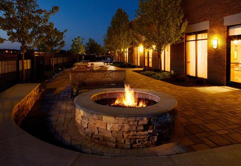 Courtyard Hamilton - Outdoor Patio