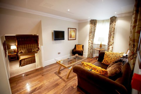 Ringwood Hall Hotel - Gatehouse Suite