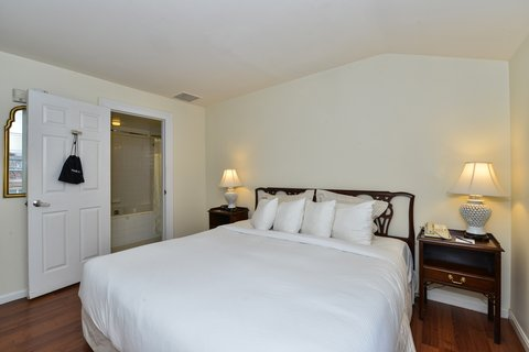 Admiral Fell Inn, an Ascend Hotel Collection Member - Bi Level Suite