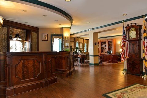 Admiral Fell Inn, an Ascend Hotel Collection Member - Front Desk
